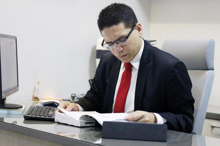Jurista piauiense Daniel Oliveira autor da tese que pode colocar Lula em liberdade.